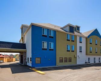 SureStay Plus Hotel by Best Western Blue Springs - Blue Springs - Gebäude