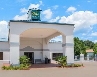 Quality Inn - Carthage - Building