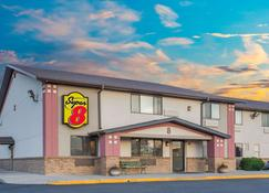Super 8 by Wyndham Winnemucca NV - Winnemucca - Building