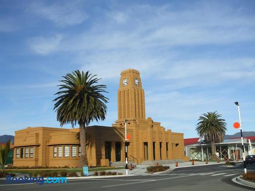 Havenlee Homestay - Westport - Building