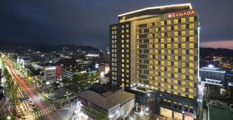 Ramada Jeonju - Jeonju - Edifício
