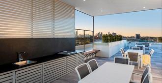 Oaks Brisbane Woolloongabba Suites - Brisbane - Restaurante