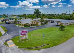 Everglades City Motel - Everglades Adventures Inn - Everglades - Außenansicht