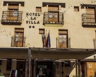 Hotel La Villa - Requena - Building