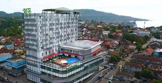 Hotel Santika Premiere Ambon - Ambon - Building