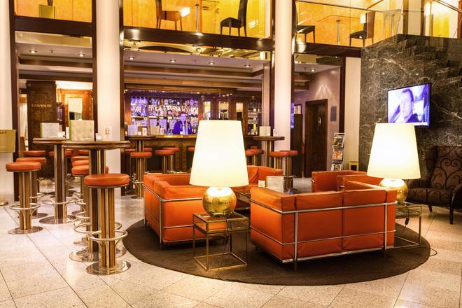 Living Hotel Großer Kurfürst by Derag - Berliini - Baari