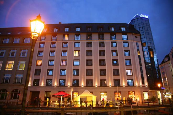 Living Hotel Großer Kurfürst by Derag - Berliini - Rakennus