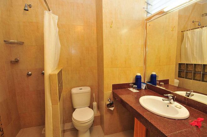 Reef Hotel - Mombasa - Bathroom