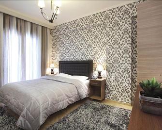 Delfini Hotel - Menidi - Bedroom
