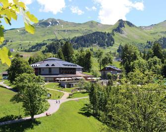 Seminar- und Wellnesshotel Stoos - Morschach - Вигляд зовні