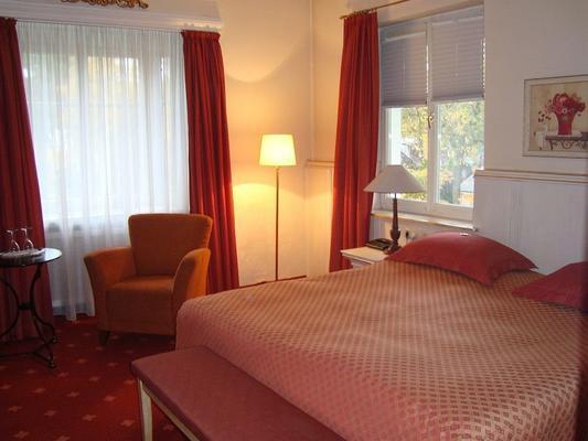 Hotel Villa Röhl - Timmendorfer Strand - Schlafzimmer