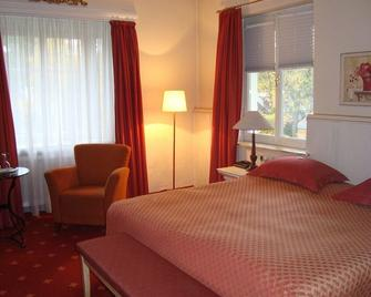 Romantik im Hotel Villa Röhl - Timmendorfer Strand - Schlafzimmer