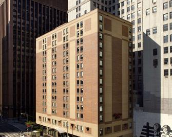 Hampton Inn Cleveland-Downtown - Clevelandu - Building