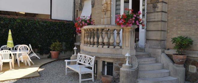 La Villa Saint Pierre - Épernay - Innenhof