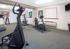 Super 8 by Wyndham Billings - Billings - Γυμναστήριο
