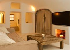 Kapari Natural Resort - Imerovigli - Living room