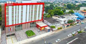 Radisson Hotel Guayaquil - גואיאקיל