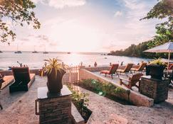 Sunset Shores Beach Hotel - Kingstown - Pati