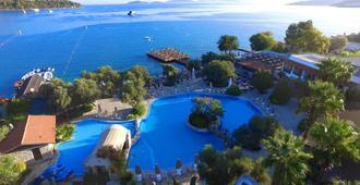 Izer Hotel Beach Club - Bodrum - Piscina