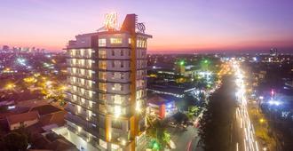 Great Diponegoro Hotel Surabaya - Surabaya - Edificio