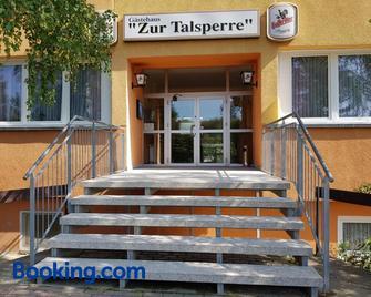 Reiterhof An Der Talsperre - Thale - Gebouw