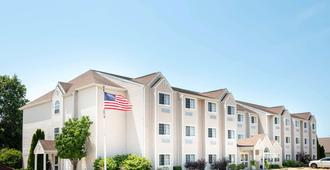 Microtel Inn & Suites by Wyndham Springfield - Springfield