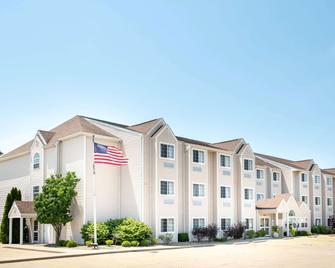 Microtel Inn & Suites by Wyndham Springfield - Springfield - Gebäude