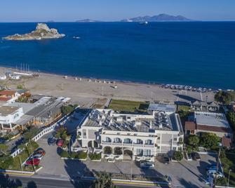 Kordistos Hotel - Kefalos - Outdoors view