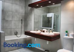 Cornerstone Guesthouse - Swakopmund - Bathroom