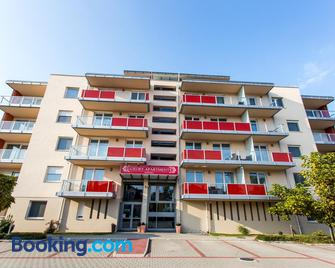 Luxury Apartment Hotel Siófok - Siófok - Gebouw