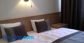Sky-High Hotel - Riga - Habitación