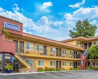 Travelodge by Wyndham Burbank-Glendale - Burbank - Gebäude