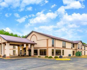 Days Inn by Wyndham Blairsville - Blairsville - Building