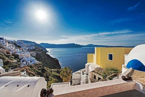 The Dream - Oia - Outdoors view