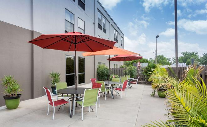 Country Inn & Suites by Radisson, Corpus Christi - Corpus Christi - Patio
