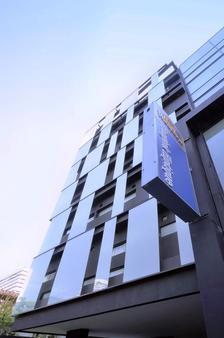 愛伽利素坤逸13號酒店 - 曼谷 - 建築