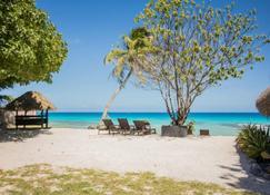 Le Coconut Lodge - Avatoru - Playa