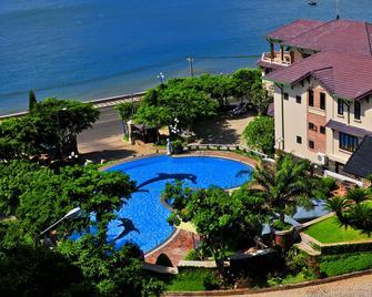 Beachfront Hotel - Vũng Tàu - Zwembad