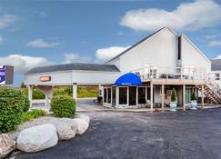 Knights Inn Mackinaw City - Mackinaw City - Bygning