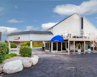 Knights Inn Mackinaw City - Mackinaw City - Edificio