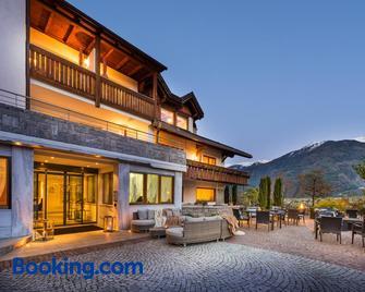 Residence Landhaus Fux - Silandro - Building