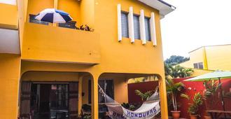 La Posada B&B - San Pedro Sula - Edificio