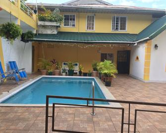 La Mamre Guest House - Diego Martin - Pool