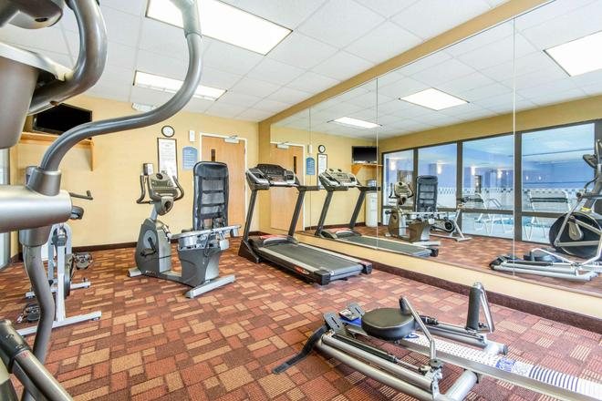 Quality Inn and Suites - Lawrenceburg - Gym