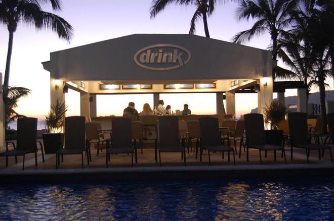Best Western Hotel Posada Freeman Zona Dorada - Μαζατλάν - Bar