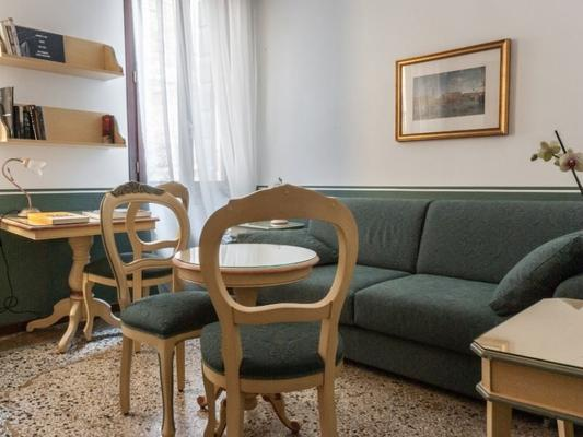 Ca' San Trovaso - 6 Rooms - Venice - Living room