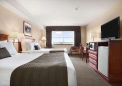 Days Inn & Suites by Wyndham, Langley - Langley - Κρεβατοκάμαρα