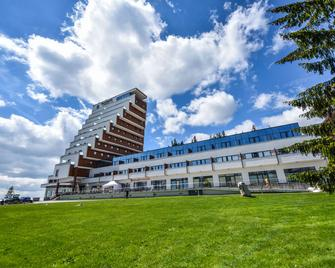 Hotel Panorama Resort - Горнолыжный курорт Штрбске Плесо - Здание