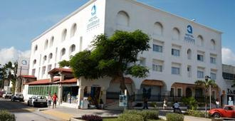 Hotel Antillano - Cancún - Building