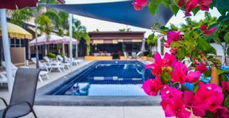 4 Palms Resort - Sattahip